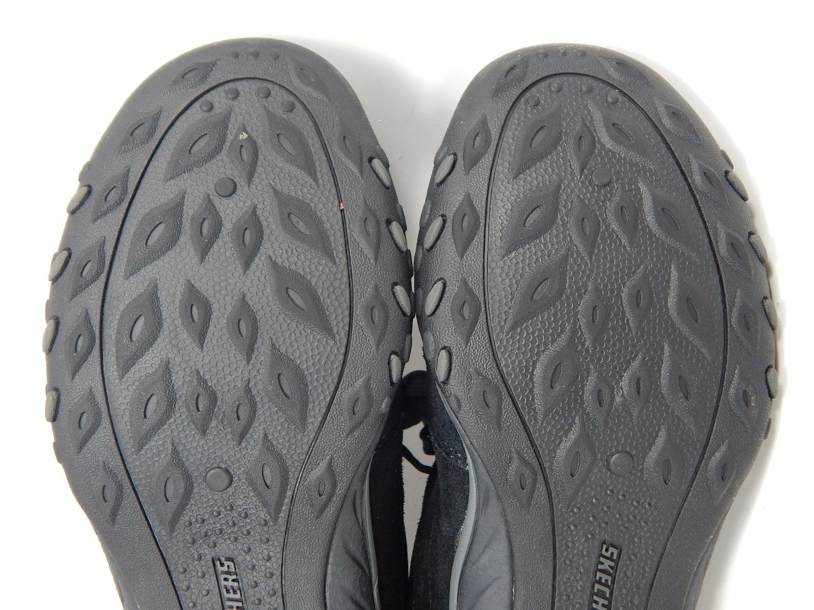 Skechers Relaxed Fit Breath Easy Women's Comfort Shoes Size: US 8 M (B) EU 38