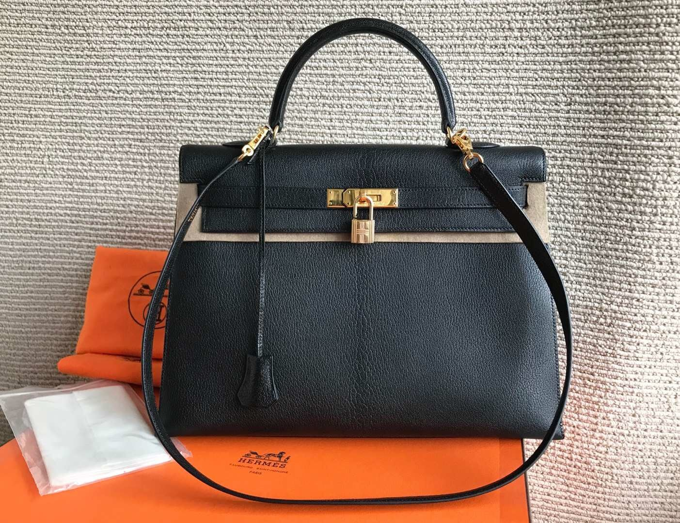 100% Authentic HERMES Black KELLY BAG GHW
