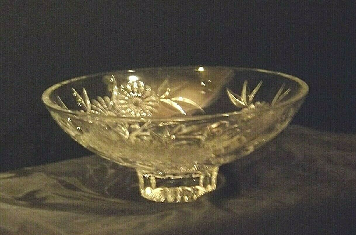 Crystal Floral Serving Bowl Heavy Beautiful Large AA19-LD11935 Vintage