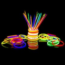 300 Glow Sticks Bulk Party Supplies - Glow in The Dark Fun Party Pack with Super