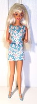 CHIC BARBIE PLATINUM BLONDE PURPLE EYES IN BLUE FLOWERED DRESS   - 1996 ... - $5.99