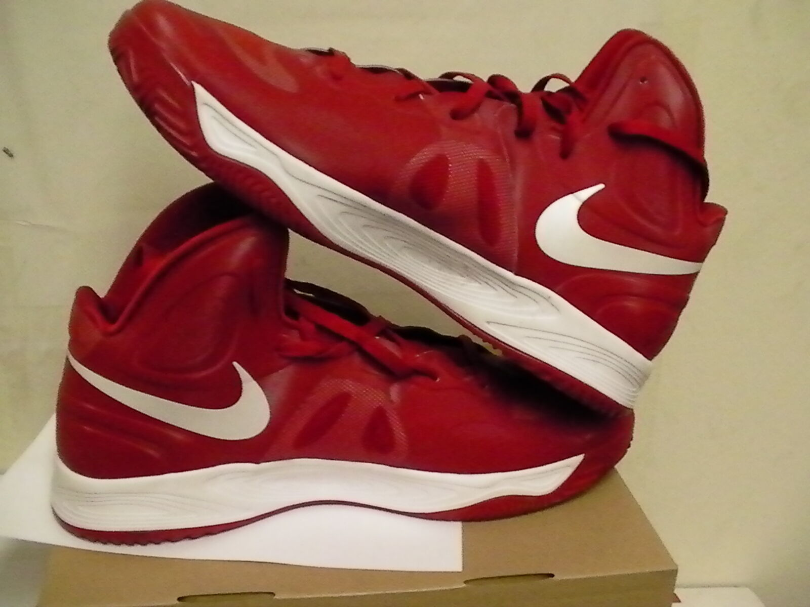Nike mens shoes hyperfuse light basketball size 17 us new