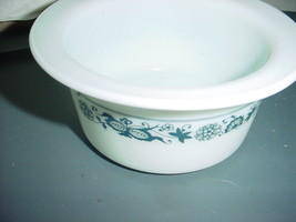 PYREX CORELLE COORDINATE OLD TOWN BLUE PYREX BUTTER TUB FREE SHIP USA - $20.56