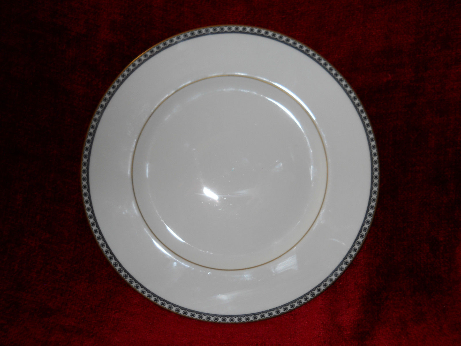 Wedgwood Ulander Black Dinner Plate Brown backstamp