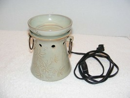 SCENTSY FULL SIZE WARMER JAPANESE GREEN REEDS/ TREE DESIGNED GUC - $29.99