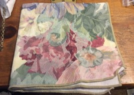 Flowered Tablecloth 56x78 W/ 2 Matching Napkins - $14.01