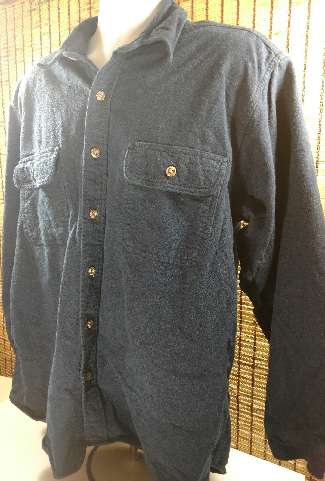 Field & Stream Mens Thick Cotton Shirt Full Button Front Size Large LG L Blue