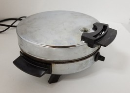 "Vintage Toastmaster Waffle Iron Baker 8"" Round w/ Nonstick Plates Box W2... - $29.02"