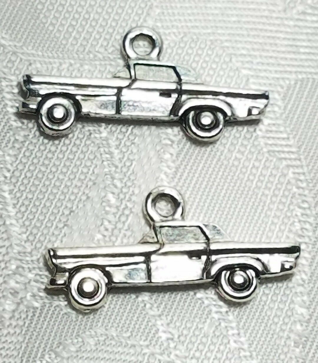 CAR AUTOMOBILE 2D FINE PEWTER PENDANT CHARM MADE IN THE UNITED STATES