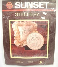 "Vintage Sunset Stitchery Kit 2873 Folk Art Wedding Ring for 12"" Hoop Pil... - $12.86"