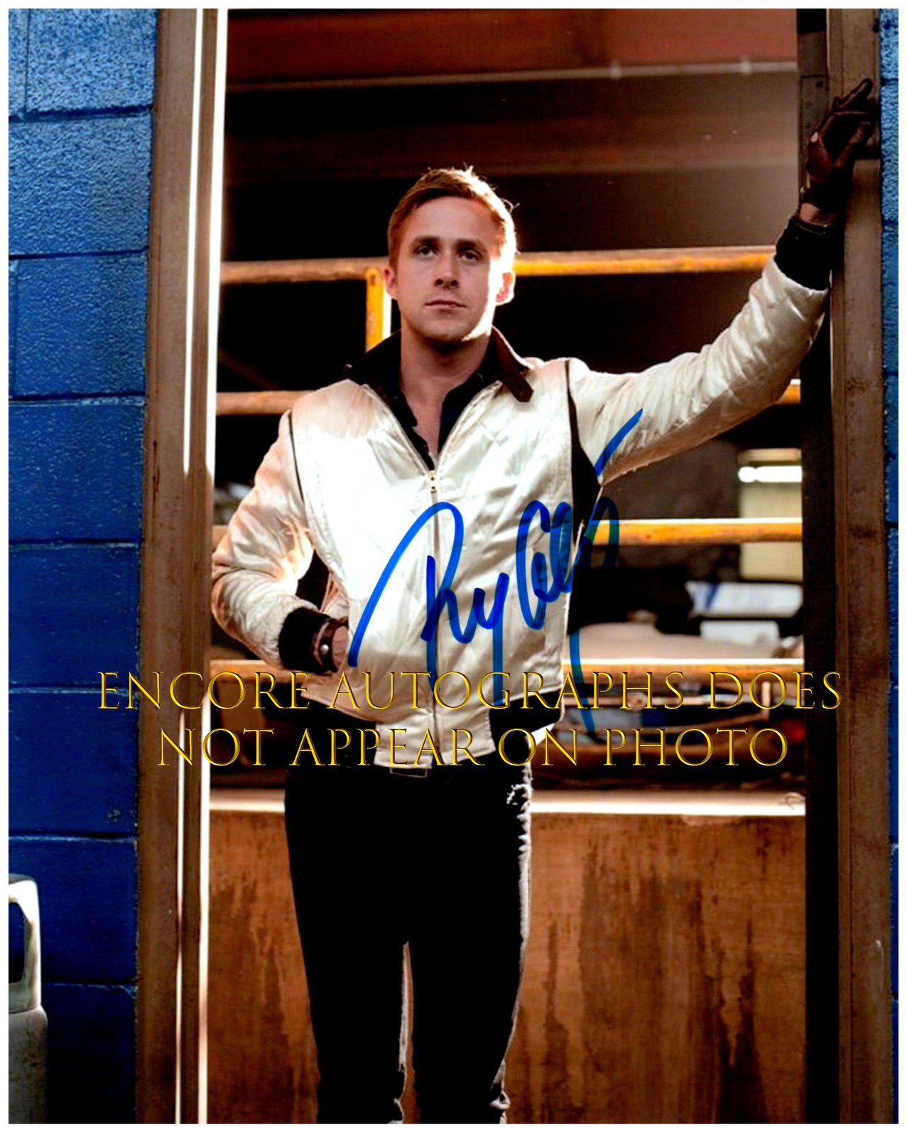 Primary image for RYAN GOSLING  Authentic Original  SIGNED AUTOGRAPHED PHOTO w/ COA 210