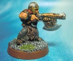 Dungeons & Dragons Miniature  Dwarf Warrior Axe Gun !!  s106 - $25.00