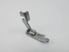 Singer Sewing Machine Slant Shank Straight Stitch Presser Foot 170071-001 - $4.21