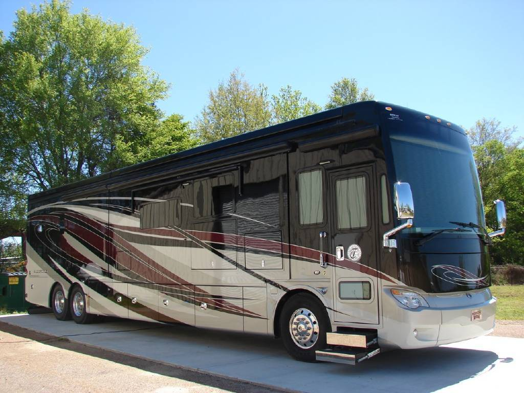 2016 Tiffin Motorhomes ALLEGRO BUS 45 LP For Sale In Madison, MS 39110