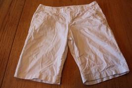 W10347 Womens ANN TAYLOR LOFT White Cotton BERMUDA SHORTS Walking sz 4 - $14.50