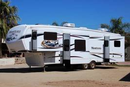 2012 Keystone Montana 3750 FL For Sale in Glendale Arizona, 85307 image 1
