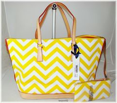 NWT Dooney & Bourke Chevron ZigZag YELLOW+WHITE Leisure Tote Bag+Accesso... - $219.00