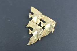 Vintage Jewelry Fish Fishes BROOCH PIN Gold Tone  - $9.47