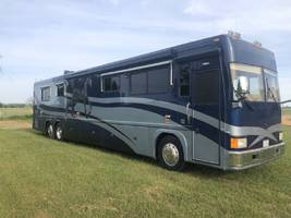1999 FEATHERLITE COACHES VOGUE FOR SALE IN Smithville, TX 78957 image 1