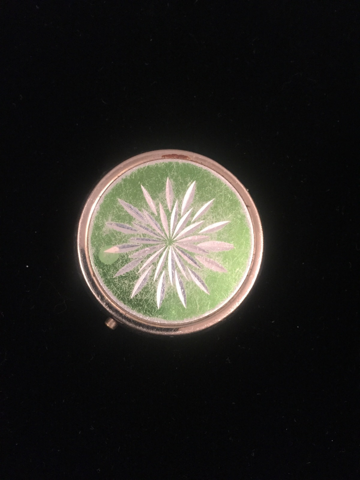 Vintage 50s Pill Box compact with etched starburst on top
