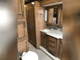 2019 THOR MOTOR COACH VENETIAN S40 FOR SALE IN Rapid City, SD 57701 image 12