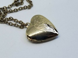 """Sarah Coventry Heart Locket Floral Gold Tone Necklace 18"""" Vintage  - $10.00"""