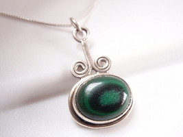 Green Malachite Swirled 925 Sterling Silver Necklace Corona Sun Jewelry - $18.80