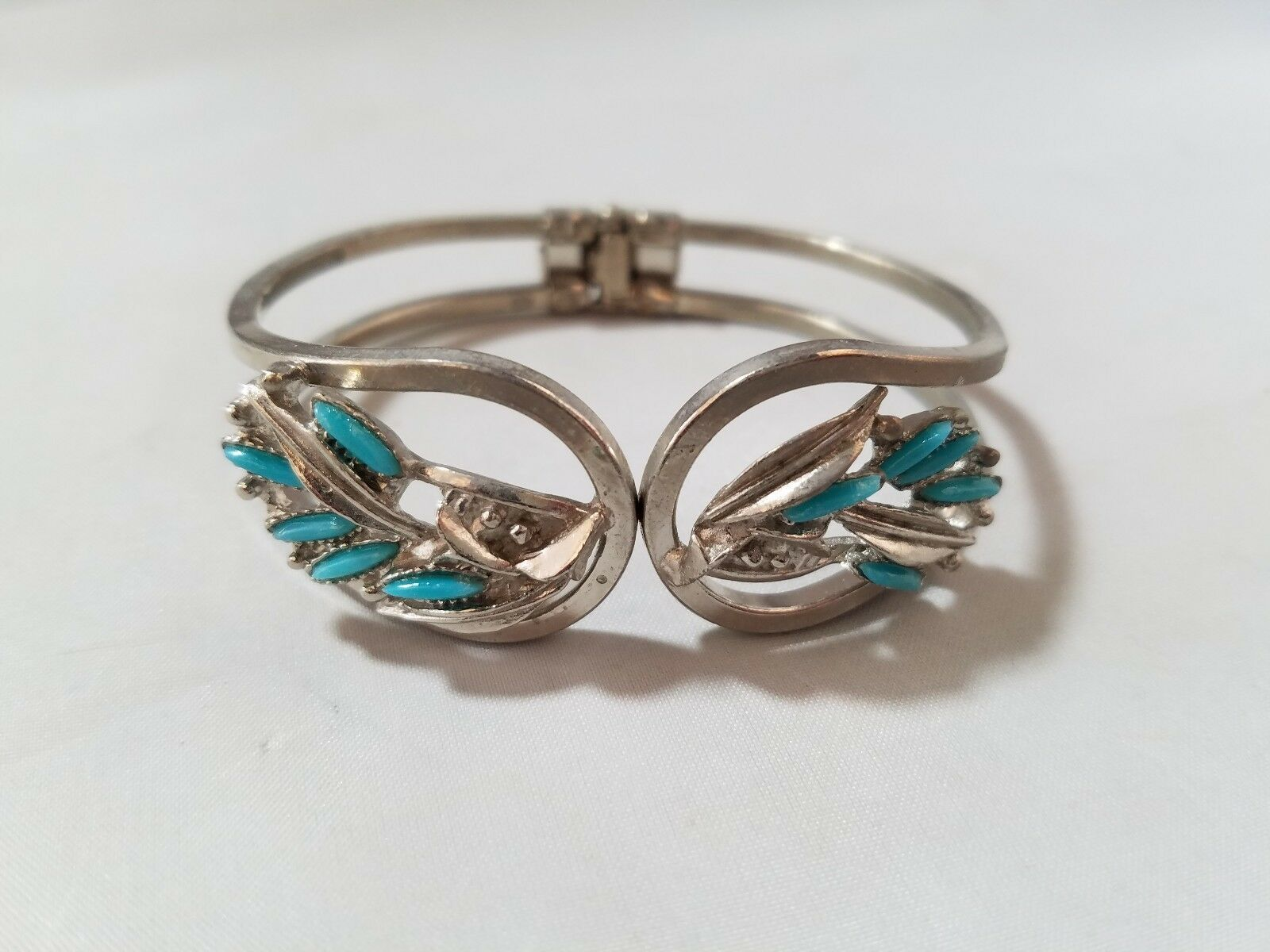 Vintage Fashion Jewelry Set Silver Tone Turquoise Bracelet Bangle & Earrings