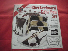 NORPRO CHECKERBOARD CAKE PAN SET.  NEW IN BOX. - €8,47 EUR