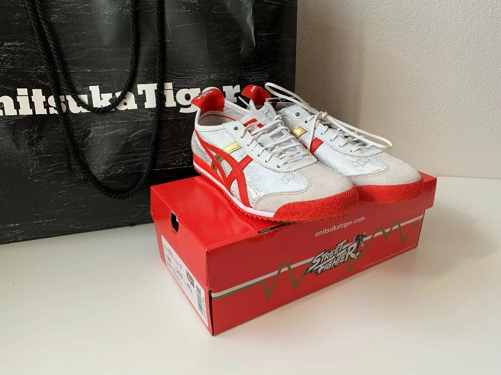 "NIB ASICS Onitsuka Tiger Shoes Sneakers Street Fighter Chun Li Red Size 7.5"" image 1"
