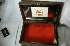 Wonderful Wood Lehigh Valley Cigar Box Lined in  Metal image 7