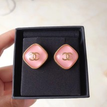 NEW AUTH Chanel 2020 LARGE CC Gold PINK DIAMOND SHAPE STUD Earrings  image 2