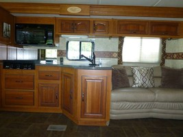 2011 COACHMEN CROSS COUNTRY 405FK For Sale In Ashland, OR 97520 image 6