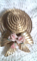 Vintage 1928 Hat Bonnet with Bow Porcelain Roses Gold Tone Pin Brooch - $7.60