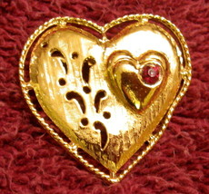 Gerry's Heart Pin Textured Gold Plate Scroll Cut Out Design Red Cabochon Brooch - $19.76