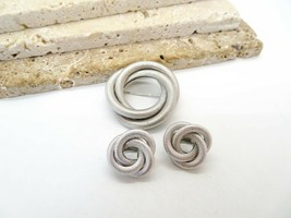 Vintage Sarah Coventry Silver Tone Infinity Knot Brooch Clip On Earrings... - $21.99