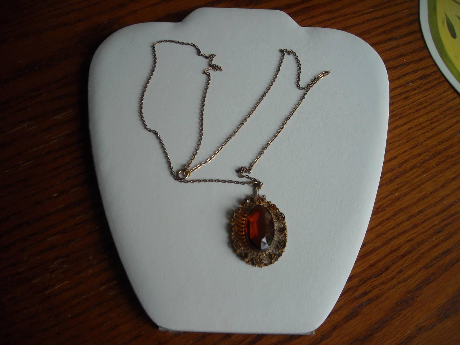 Vintage Gold Tone Filigree Necklace With A Golden Amber Glass Center & Side Sets image 3