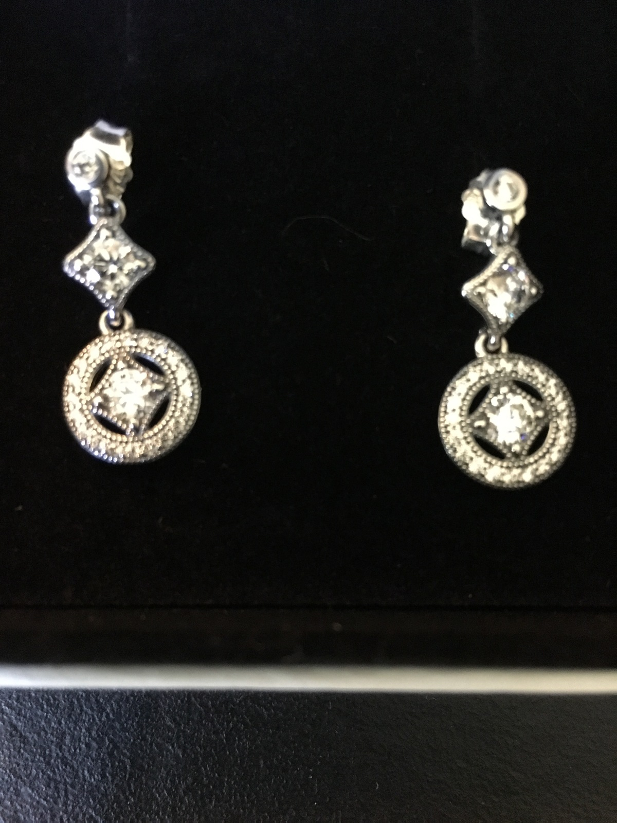 0913b2199 Img 9399. Img 9399. Previous. Genuine Pandora .925 Sterling Silver Vintage  Allure Drop Earrings ...