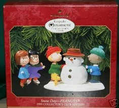 HALLMARK 1999 Peanuts Club Snow Day 1999 set of 2 Hallmark Keepsake Ornament - $31.68