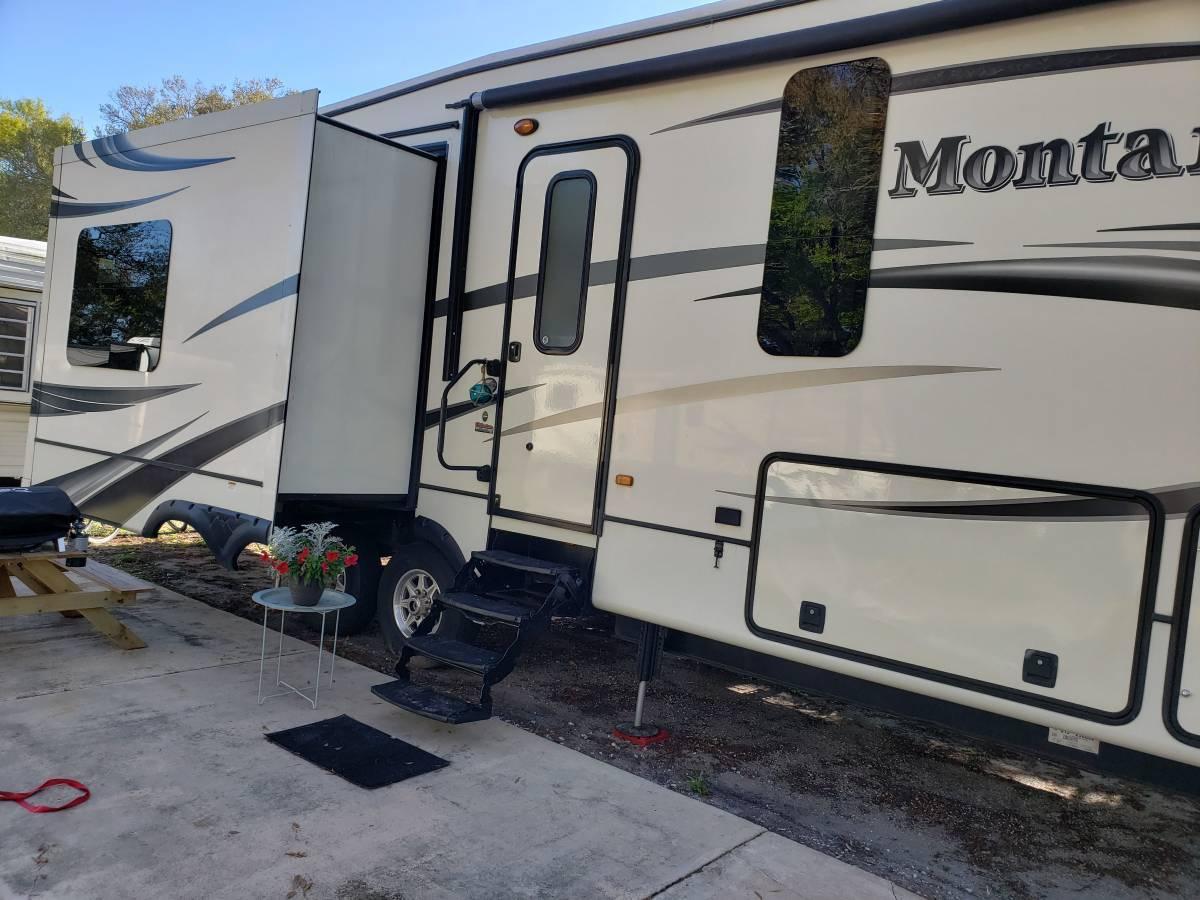 2014 Montana 5th Wheel 3100rl For Sale In  Dutton Virginia 23050