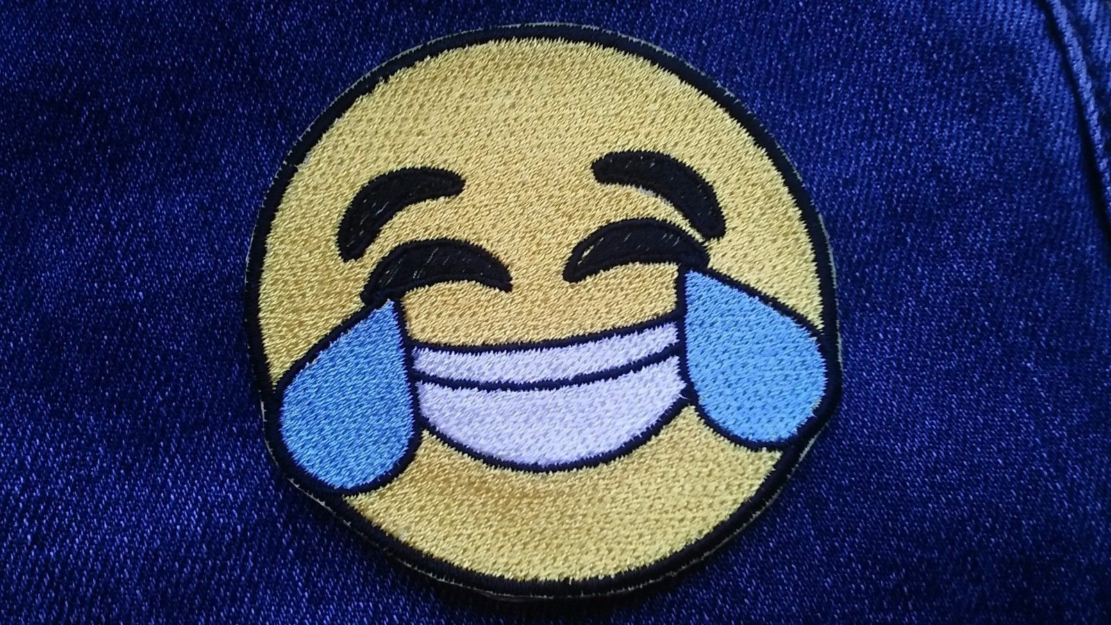 Emoji Smiley Face Embroidered Patches Iron Sew On Jeans Jacket Badge Applique
