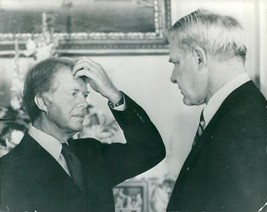Vintage photo of Jimmy Carter in co-operation with James R. Schlesinger ... - $16.61