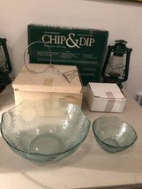 Vintage Set of 2 Glass Serving Bowls Sunflowers New In Original Boxes 70... - $49.45