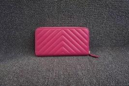 100% AUTH CHANEL Chevron Fuchsia Pink Lambskin Zip Around Wallet Clutch Bag image 2