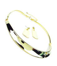 GORGEOUS Modern Sculpted Gold Curved Bar Hinged Choker Necklace Earrings Set - £22.79 GBP