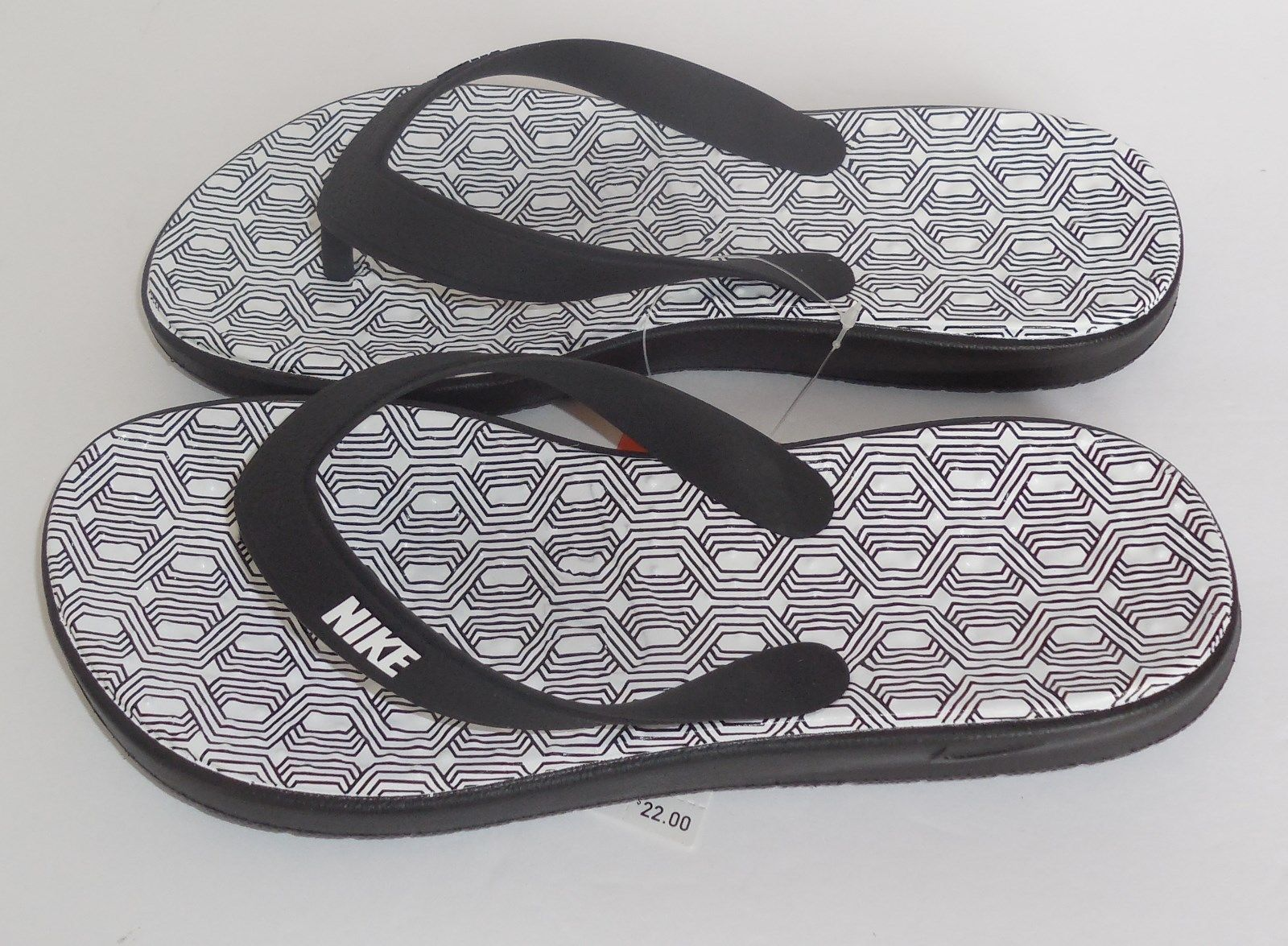 a81187579639 Nike Womens 6 Solay Thong Flip Flops Print 882696-003 Black White New  Sandals