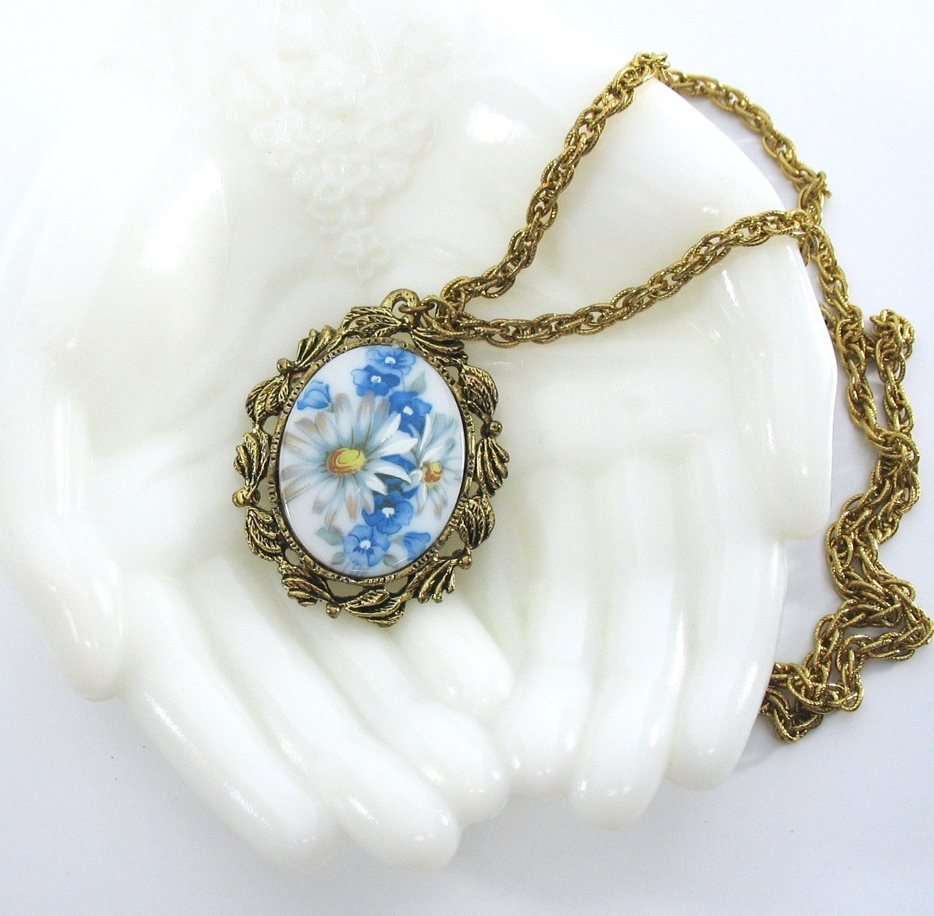 Floral Pendant Necklace, Reversible Mirror on Back, Painted Daisy, Blue Violets,