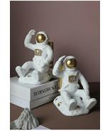 Resin Astronaut Bookend Figurines new unquie nterior Home Decor Living Room - £53.66 GBP