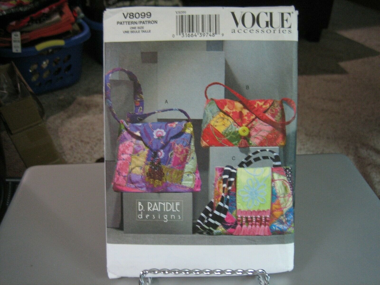 Primary image for Vogue B Randle V8099 Quilted Fabric Handbags Pattern - 13 X 10, 12 X 10 & 12 X 7