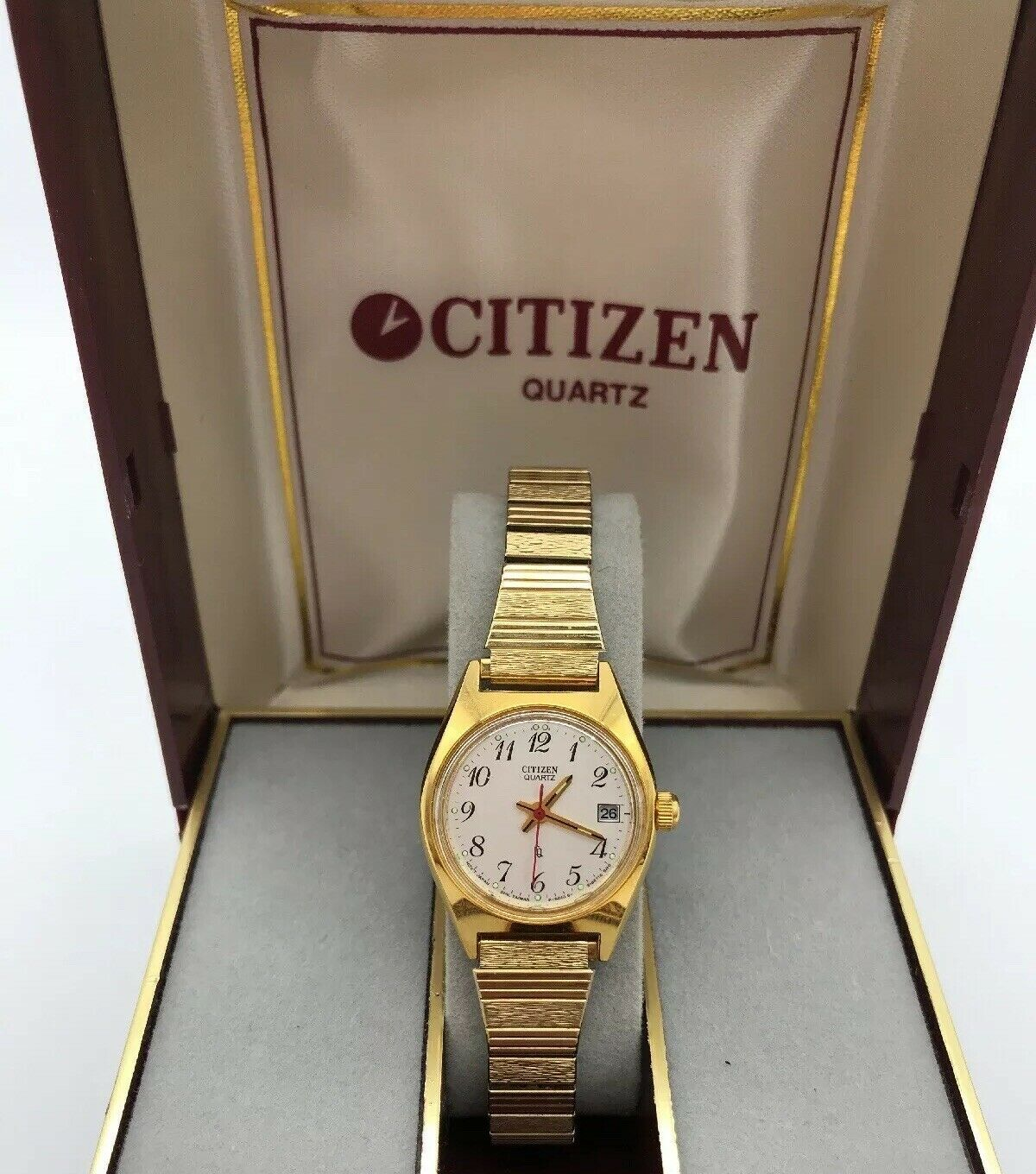 Vintage Women's CITIZEN Wrist Watch .......... Reloj de mujer marca CITIZEN.